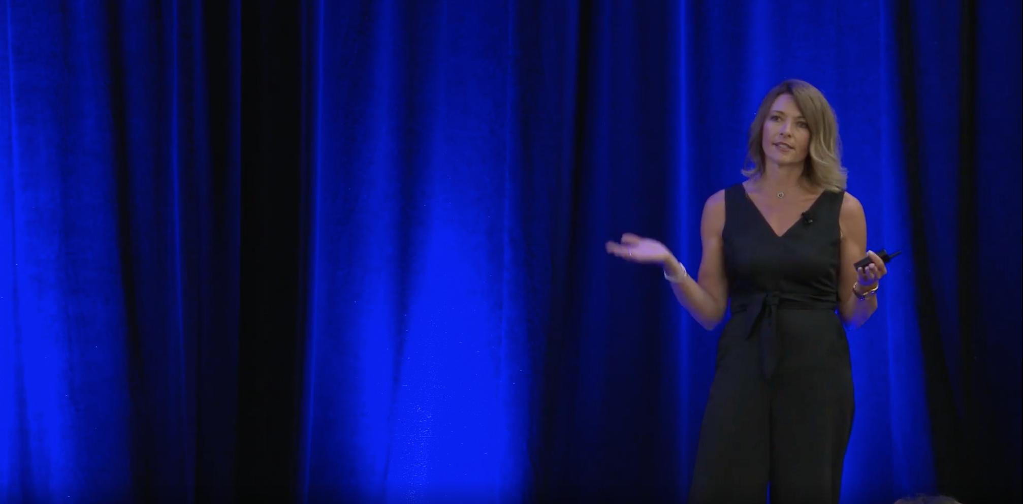 jacqui fleury speaking at the Entrepreneur's Organization of Canada